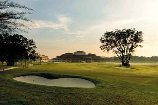 Amverton-Cove-Golf-&-Island-Resort