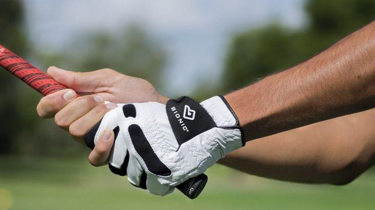 golf-gloves-golf-accessories